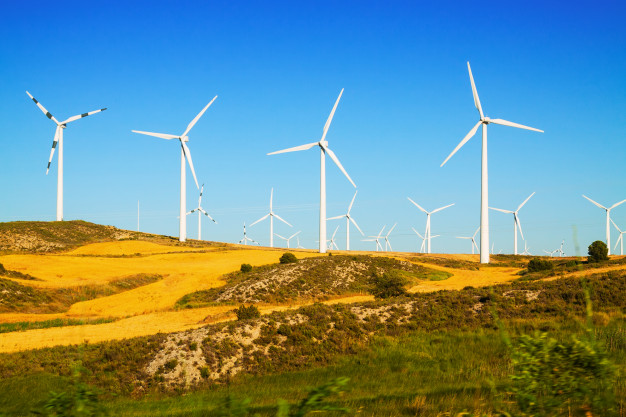 wind-farm-at-farmland_1398-3262